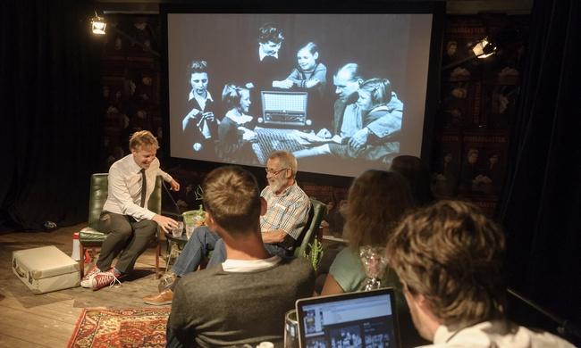 Theatrale talkshow in jouw tuin, clubhuis of kantine